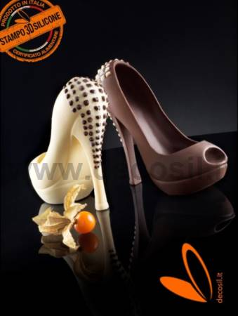 Heel Shoe with Studs chocolate mold